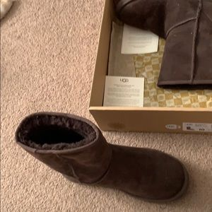 UGG Shoes - Ugg short classic boot